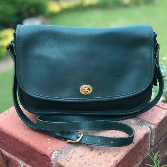02488eea Vintage Coach City Bag Crossbody/Messenger Bag